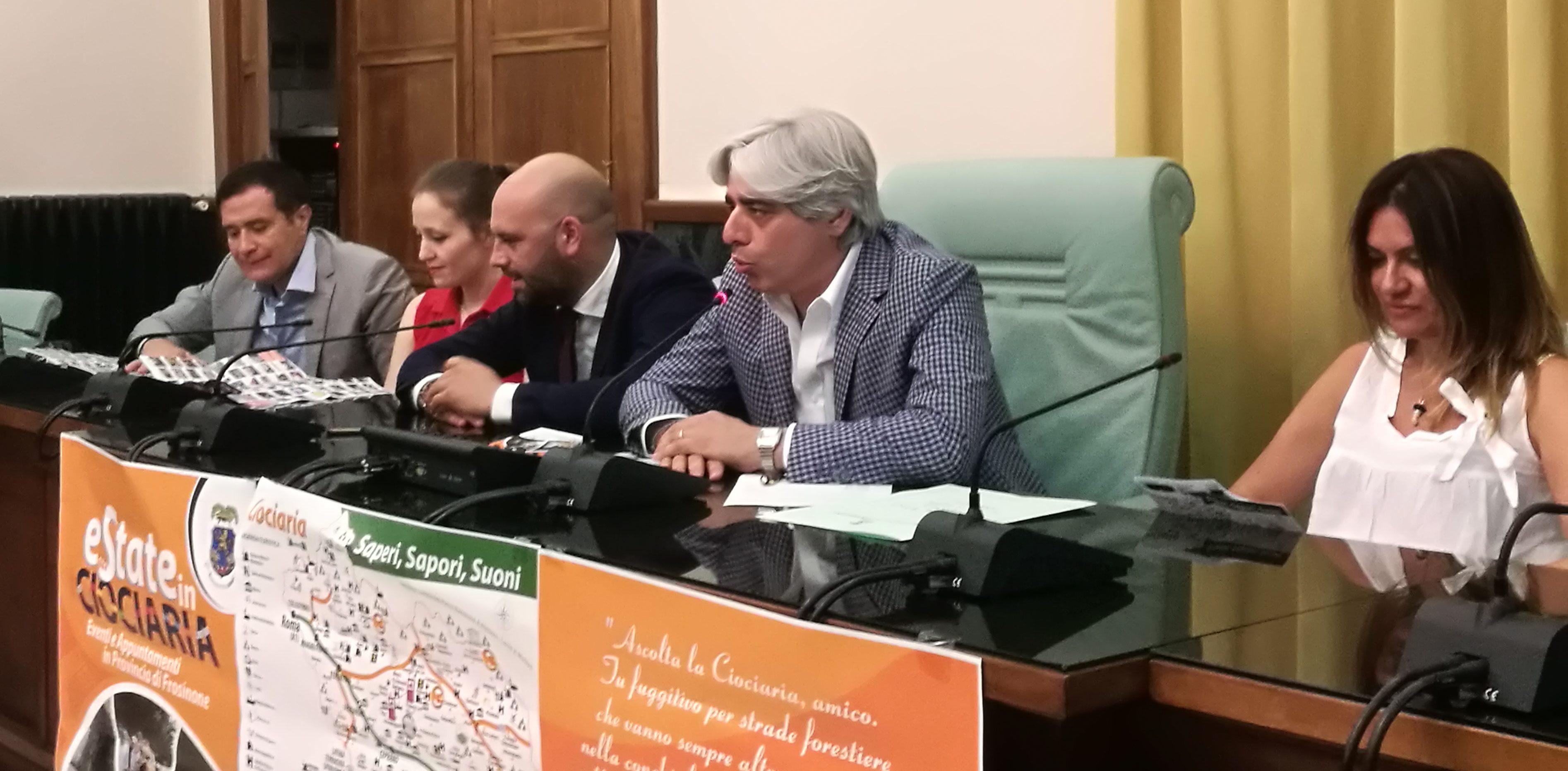 Provincia di Frosinone – Presentata la guida agli appuntamenti dell'Estate dal presidente Pompeo e dal vice Vacana