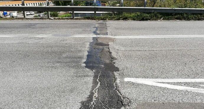 Mezzo milione di euro per giunti e ripavimentazione stradale
